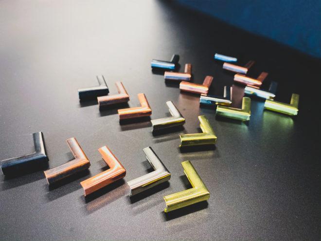 Metal corners colors